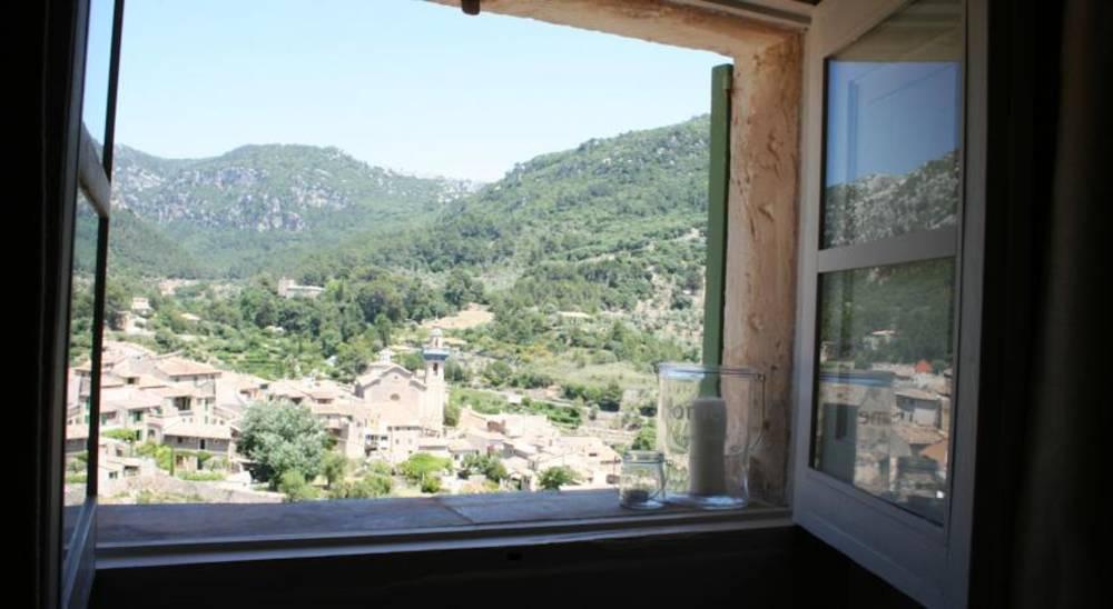 Holidays at Cas Papa Hotel in Valldemosa, Majorca