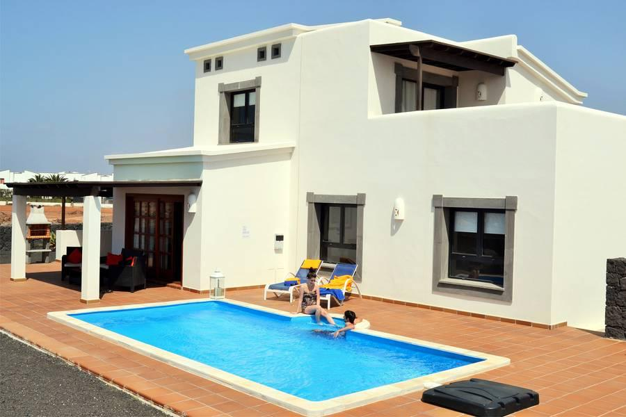 Holidays at Villas Coral Deluxe in Playa Blanca, Lanzarote