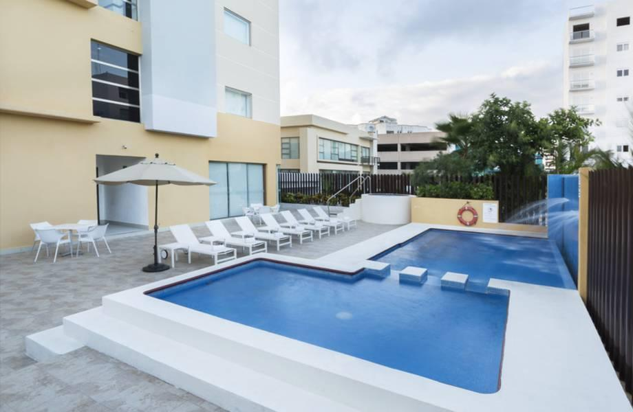 Holidays at LQ Hotel by La Quinta Cancun in Cancun Centro, Cancun