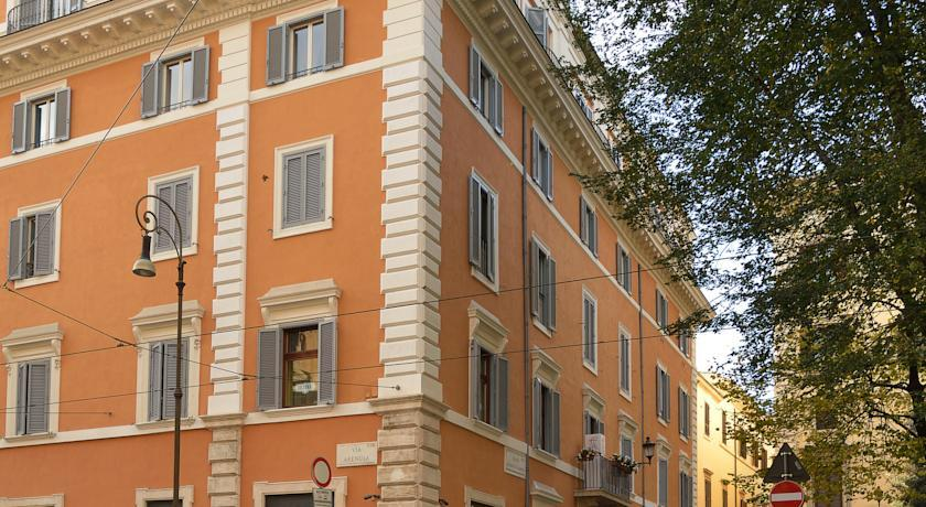 Holidays at Cairoli Hotel in Rome, Italy