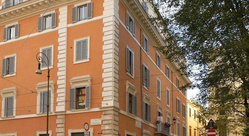 Holidays at Cairoli Hotel in Rome, Italy