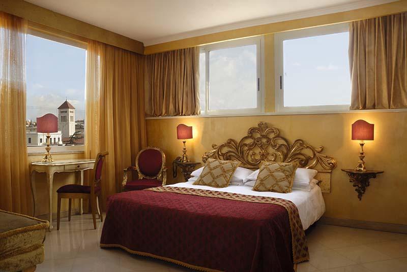 Holidays at Veneto Palace Hotel in Rome, Italy