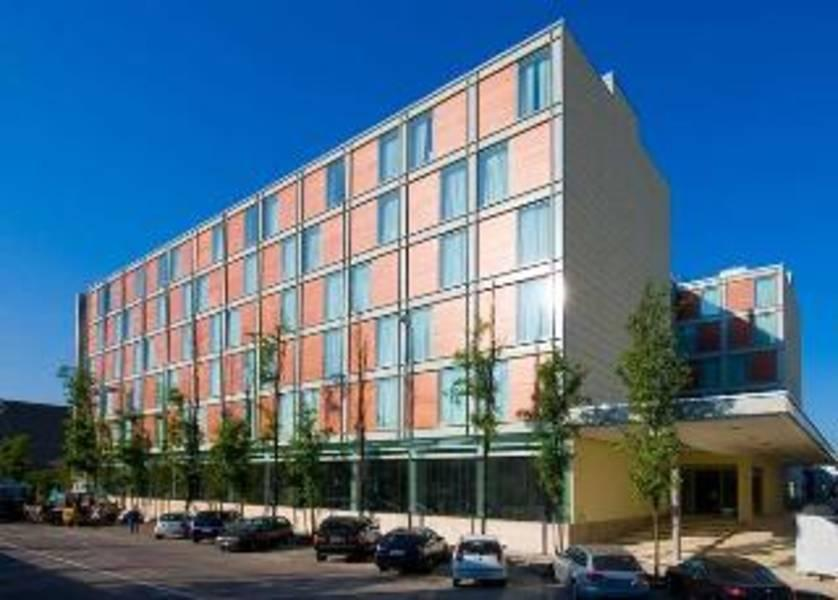 Holidays at Doubletree By Hilton Hotel Milan in Milan, Italy