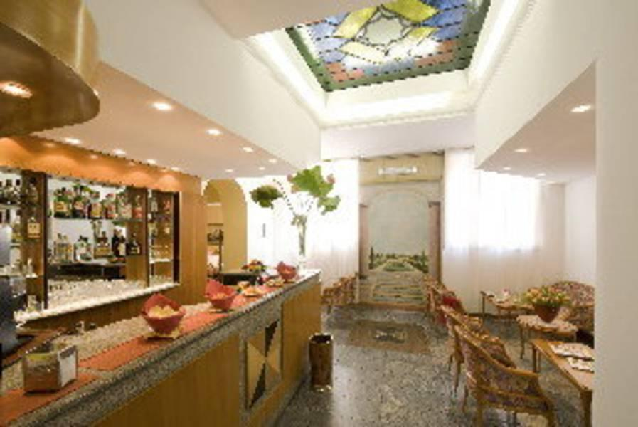 Holidays at Fenice Hotel in Milan, Italy