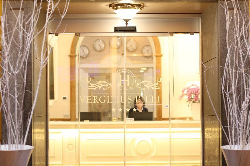 Holidays at Vergilius Billia Grand Hotel in Naples, Italy