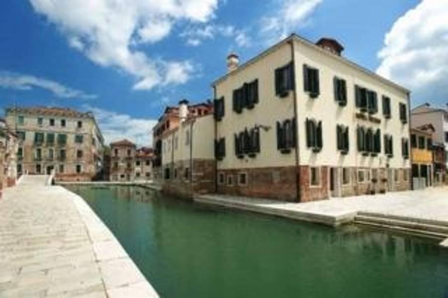 Holidays at Tiziano Hotel in Venice, Italy
