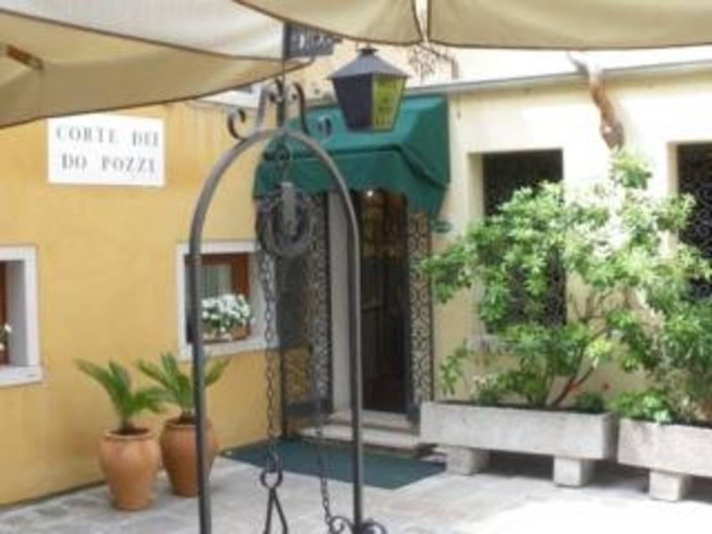 Holidays at Do Pozzi Hotel in Venice, Italy
