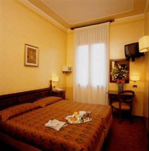 Holidays at Best Western Hotel Ala in Venice, Italy