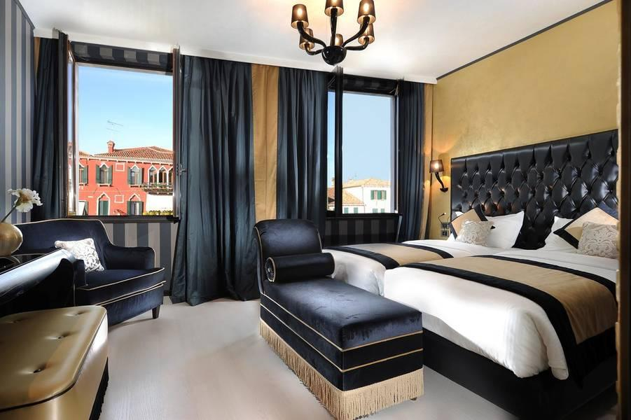 Holidays at Carnival Palace Hotel in Venice, Italy