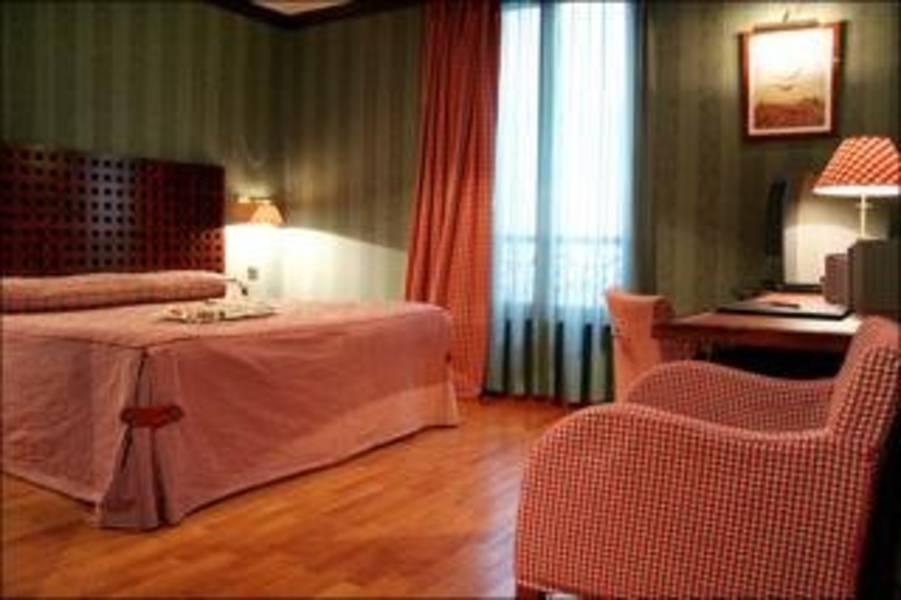 Holidays at Villa Pantheon Hotel in Latin Quarter & St Germain (Arr 5 & 6), Paris