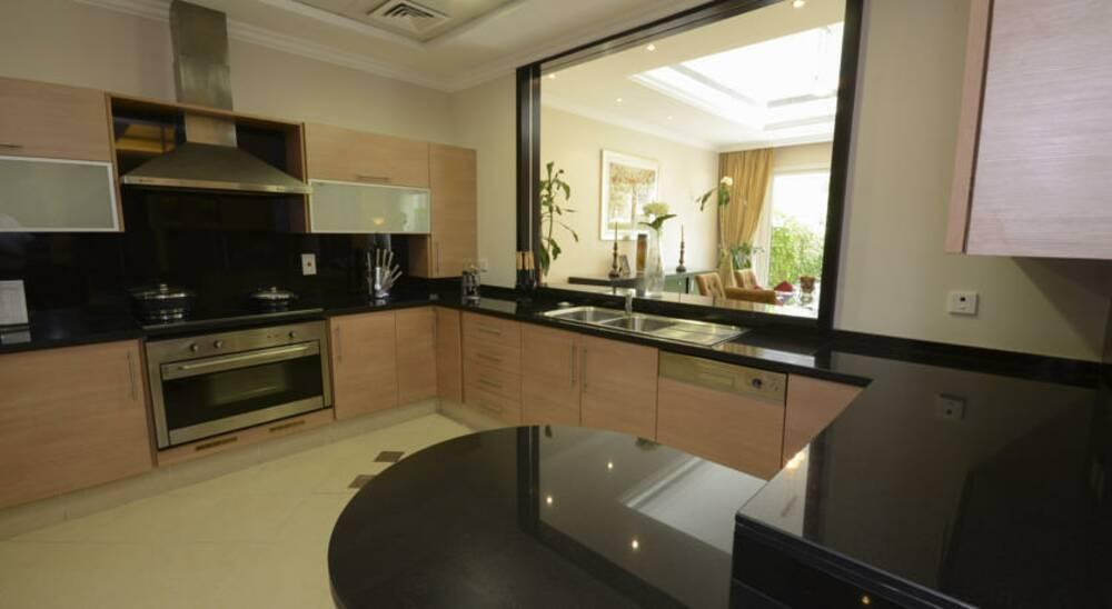 Coral Boutique Villas Dubai United Arab Emirates Book