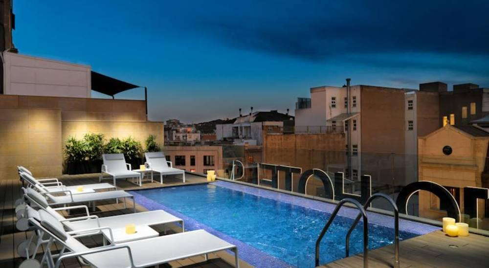 Holidays at H10 Art Gallery Hotel in Eixample, Barcelona