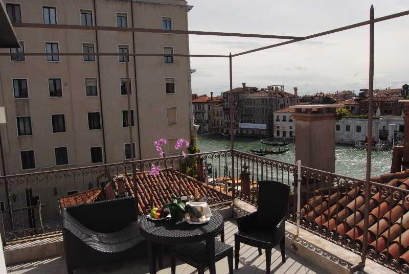 Holidays at Dei Dragomanni Hotel in Venice, Italy