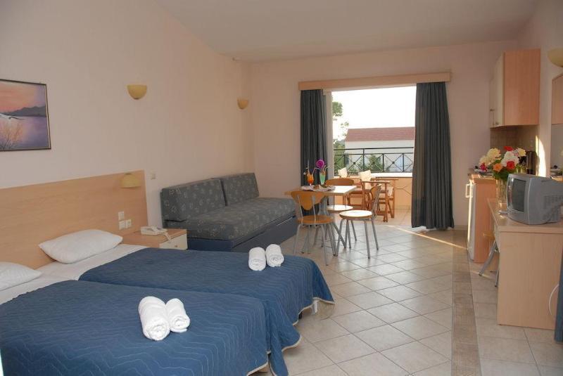 Holidays at Thinalos Hotel in Acharavi, Corfu