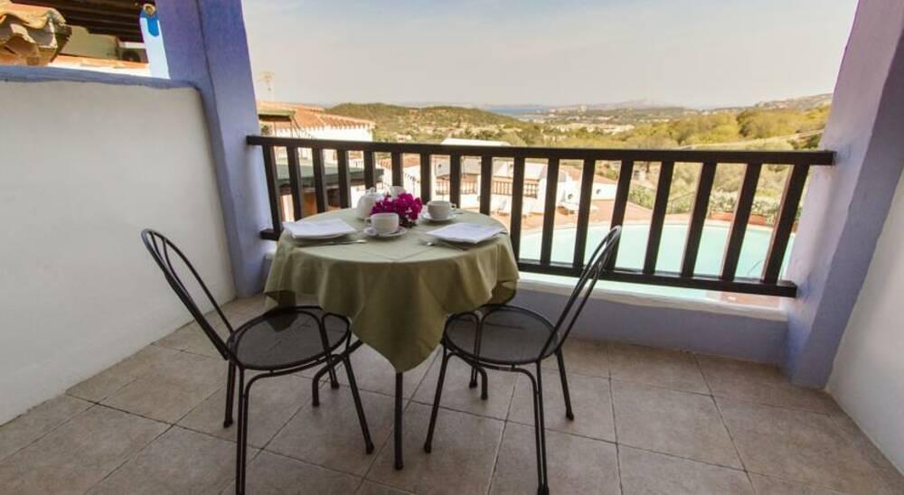 Holidays at Club Li Graniti Hotel in Baia Sardinia, Sardinia