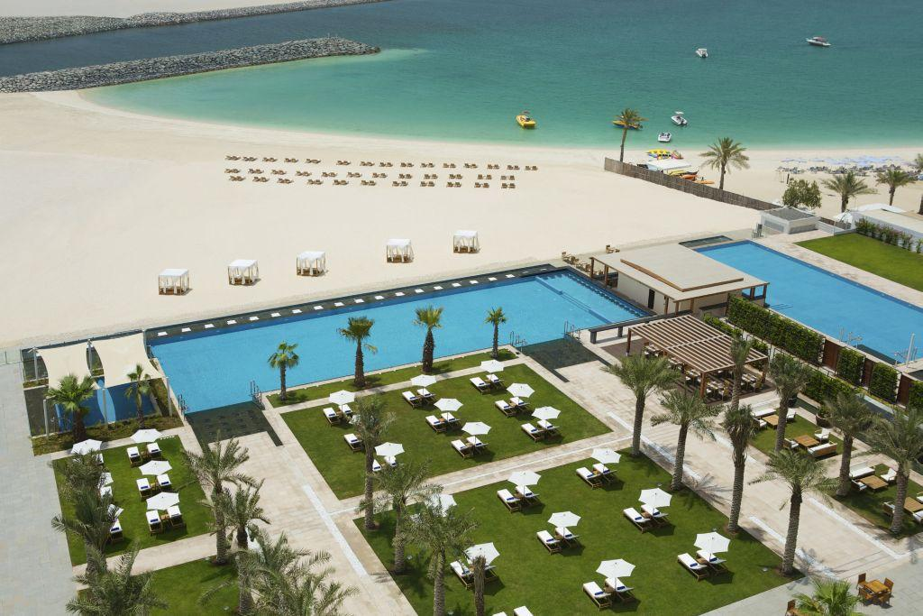 Doubletree by hilton hotel dubai jumeirah beach dubai for Dubai beach hotels
