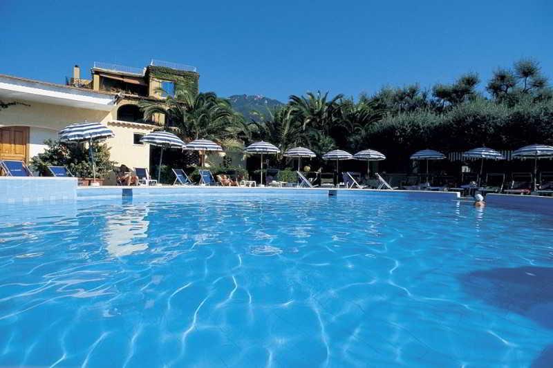 Holidays at La Scogliera Hotel in Ischia, Neapolitan Riviera
