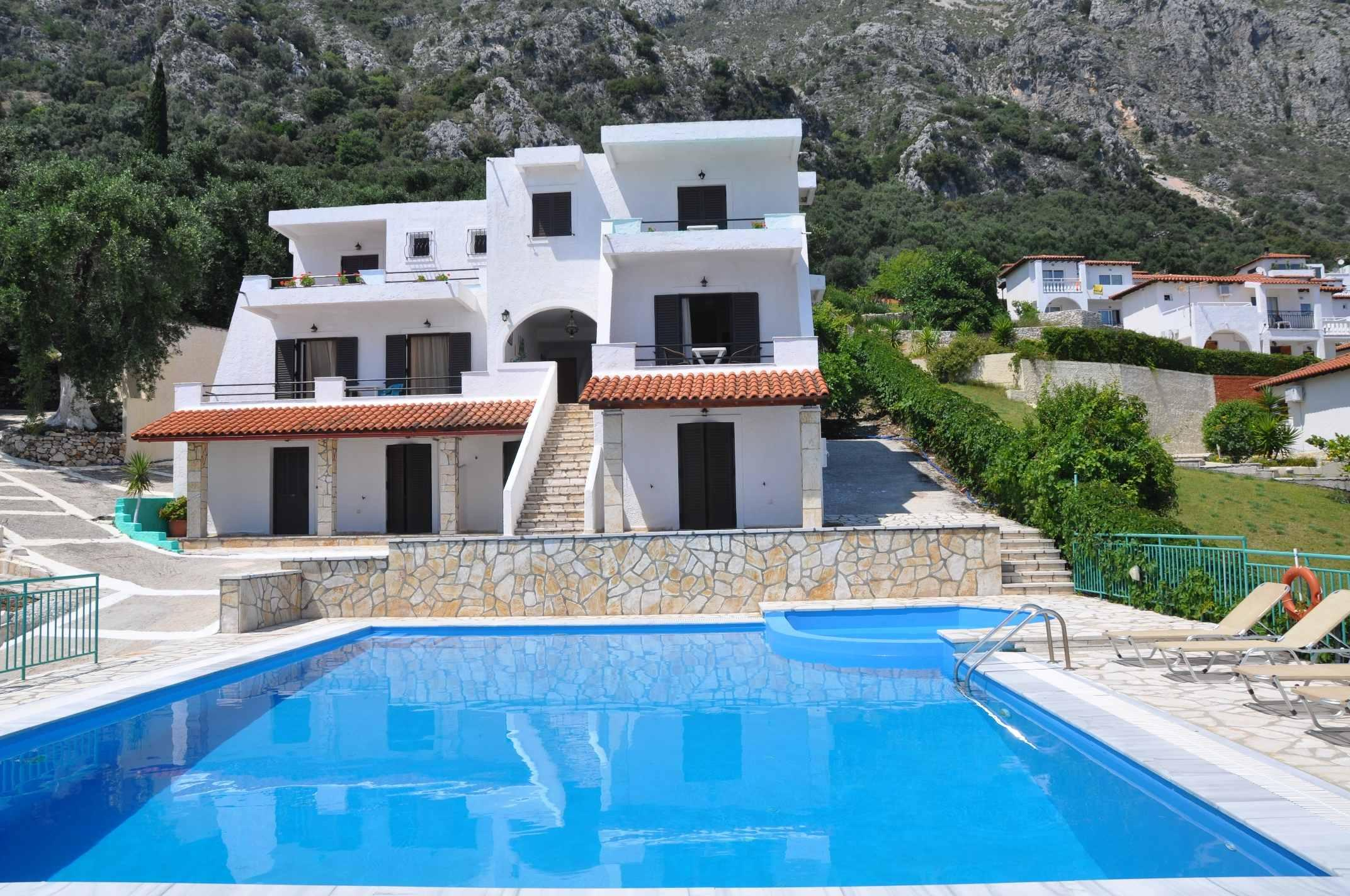 Holidays at Yannis Barbati Apartments in Barbati, Corfu