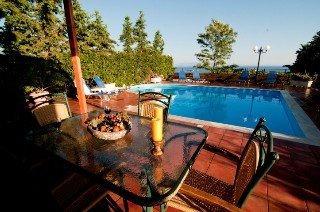 Holidays at Thalia Villas in Trapezaki, Karavados