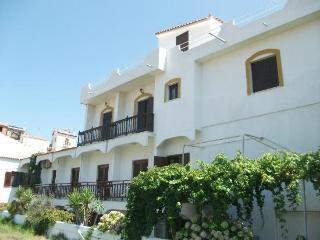 Holidays at Blue Sky Hotel in Kokkari, Samos