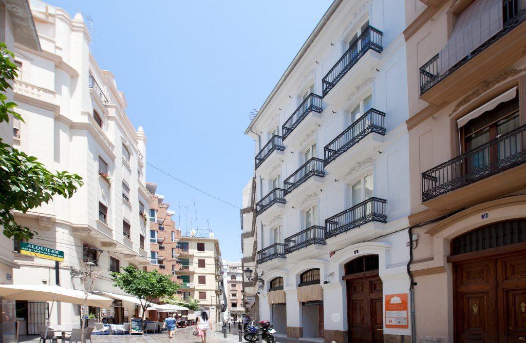 Holidays at Cosy Rooms Embajador Hostal in Valencia, Costa del Azahar
