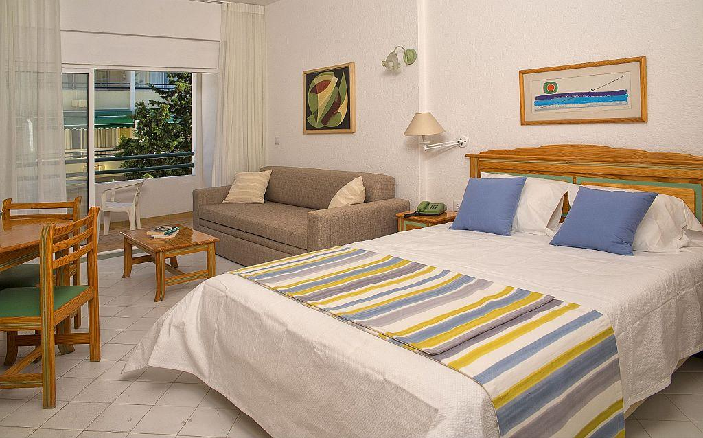 Holidays at Oura Bay Hotel Apartments in Albufeira, Algarve