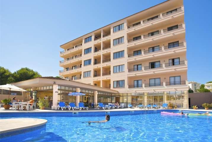 Holidays at La Perla Negra Apartments in Cala Ratjada, Majorca