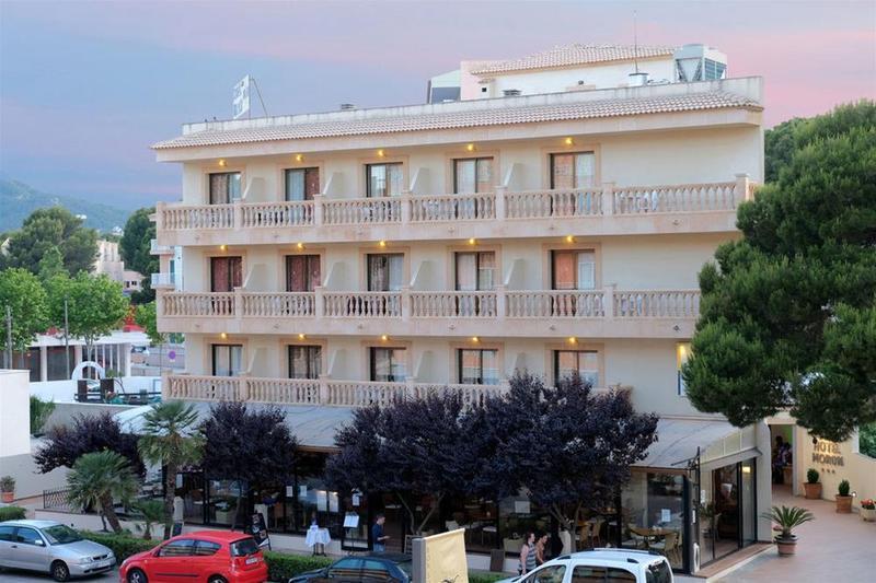 Holidays at Moron Hotel in Cala Ratjada, Majorca