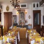 La Riva Hotel Picture 3