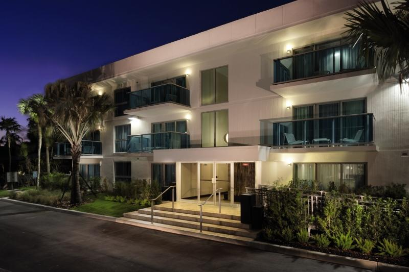 Holidays at Bal Harbour Quarzo Aparthotel in Miami Beach, Miami