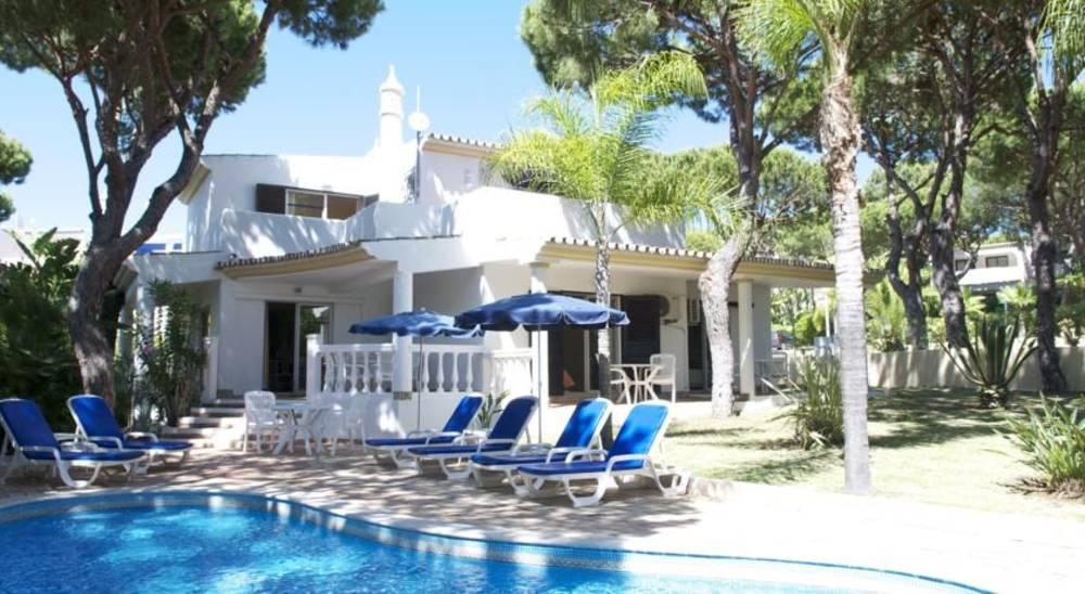 Holidays at Vale Do Garrao Villas in Vale Do Lobo, Algarve
