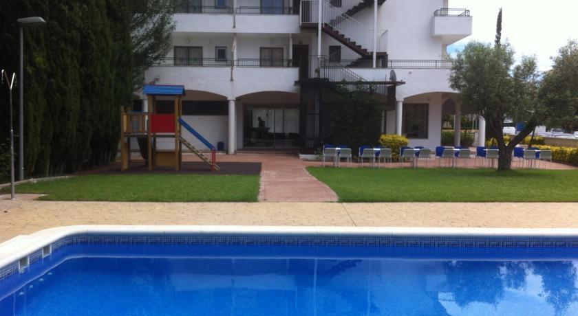 Holidays at Bay Hotel in Roses, Costa Brava