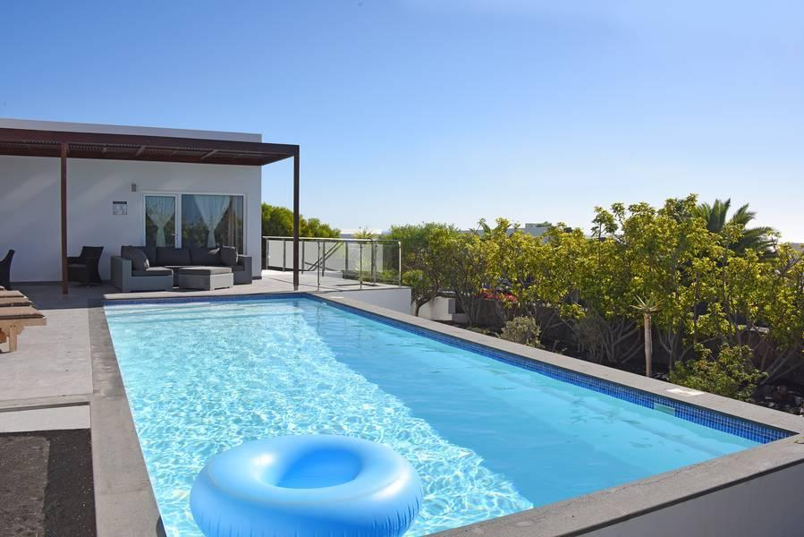 Holidays at Hoopoe Villas Lanzarote in Playa Blanca, Lanzarote
