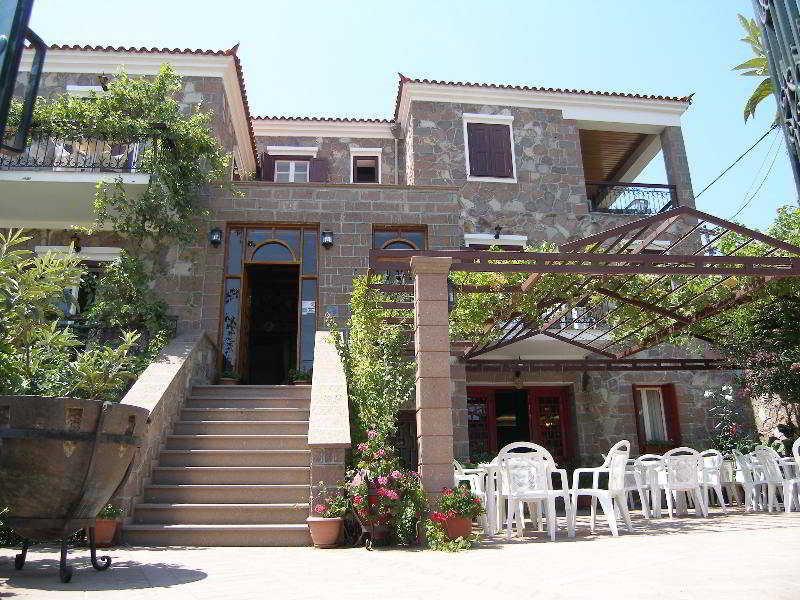 Holidays at Iris Hotel in Molyvos, Lesvos