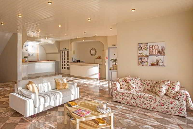 Holidays at Aurora Hotel in Agios Ioannis Peristeron, Corfu