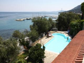 Holidays at Dimitra Studios in Benitses, Corfu