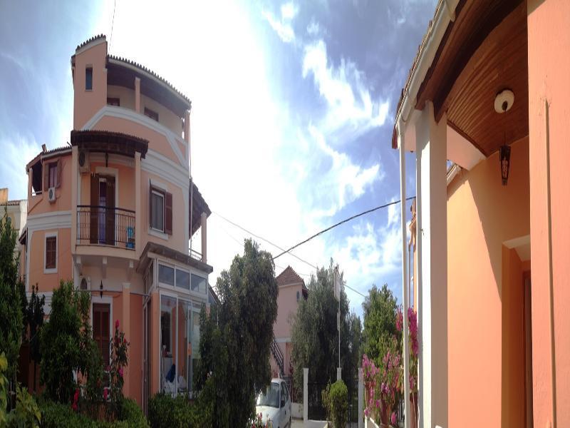 Holidays at Alexandra Apartments in Kavos, Corfu