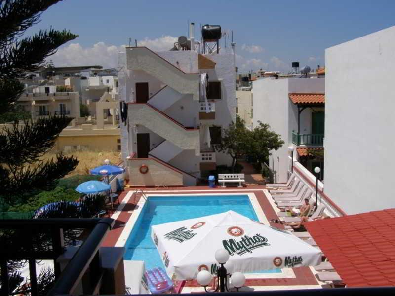 Holidays at Eleni Apartments in Analipsi Hersonissos, Hersonissos
