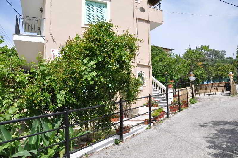 Holidays at Paraskevi Apartments in Ipsos, Corfu