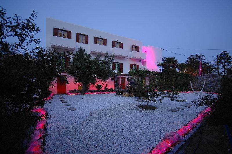 Psarou Beach Hotel