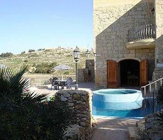 Holidays at Il-Kalkara Farmhouse in Gozo, Malta