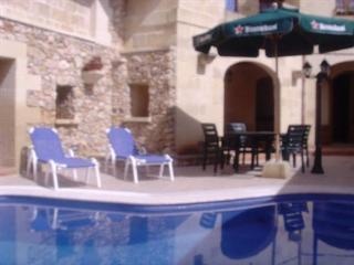 Holidays at Saint John Farmhouse in Gozo, Malta
