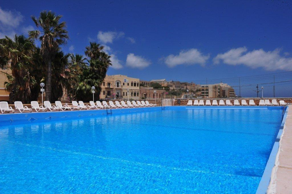 Holidays at Beach Garden Hotel in St Julians, Malta