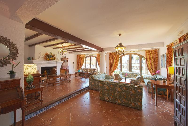 Holidays at La Baranda Apartments in Torremolinos, Costa del Sol