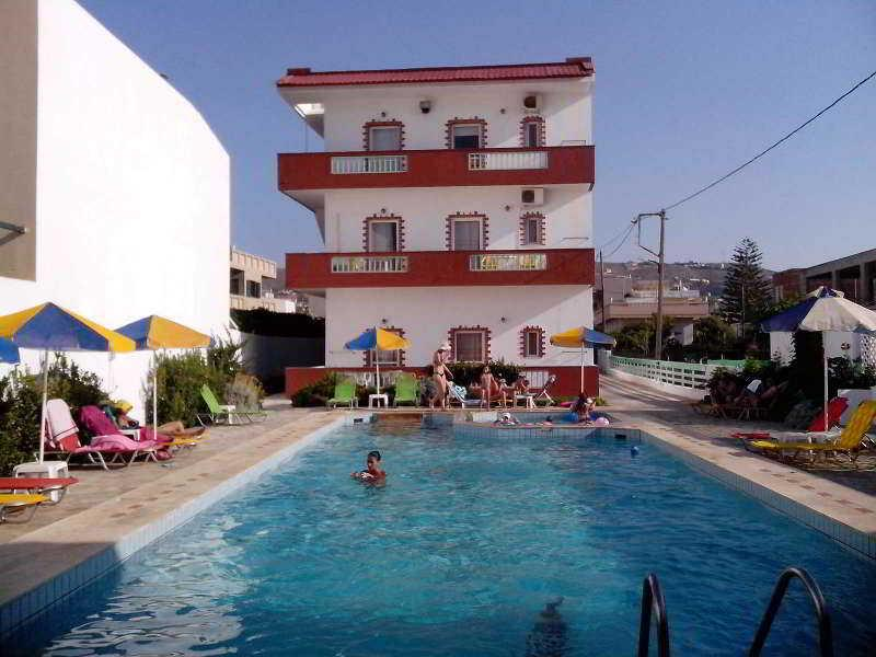 Holidays at Haris Apartments in Kokini Hani, Crete
