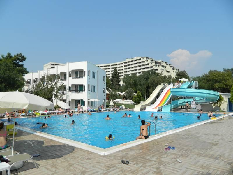 Holidays at Carpe Mare Beach Hotel in Akbuk, Altinkum