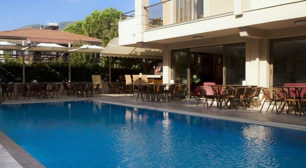 Holidays at Ecem Aparthotel in Icmeler, Dalaman Region