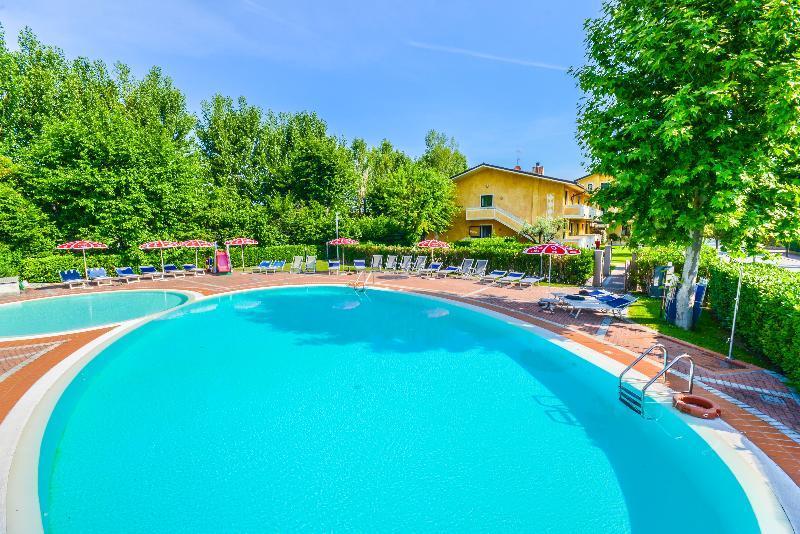Holidays at Riel Hotel in Sirmione, Lake Garda