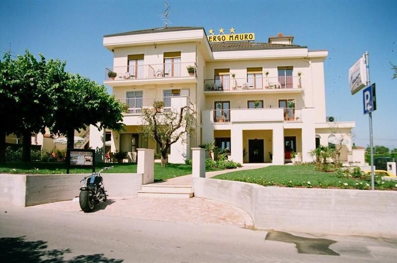 Mauro Hotel