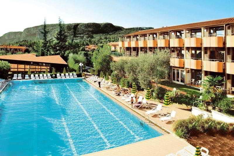 Holidays at Royal Hotel in Garda, Bardolino